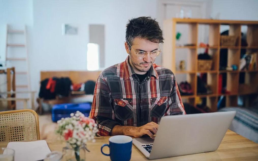 互联网上哪些赚钱项目能做到月入1万?